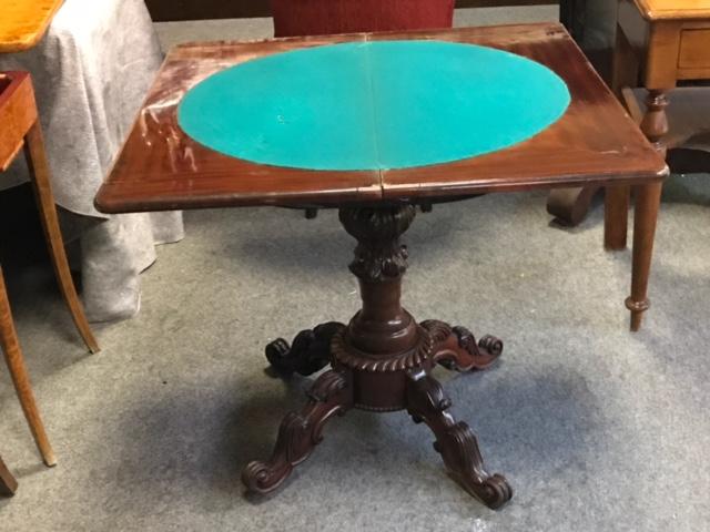 Konsole, Spieltisch, Mahagoni