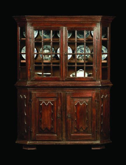 Bergischer Glasschrank um 1720, signiert