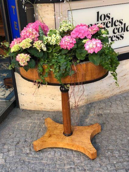 Tisch Varia