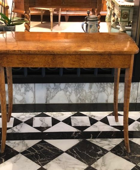 Biedermeier Spieltisch um 1820